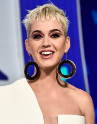 Katy Perry - 2017 MTV VMAs In LA - August 27 2017 *ADDS*