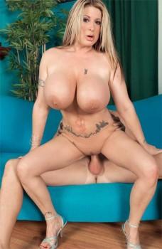 Summer Sinn: Her Big Tits Open All Doors 1080p Cover