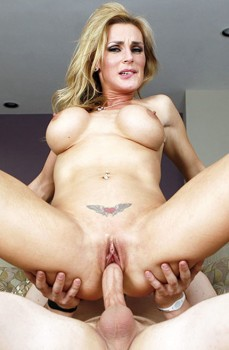 Tanya Loves Young Cocks 720p Cover