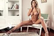 http://thumbs.imagebam.com/2a/5b/35/71dcf0620452083.jpg