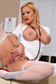 Shyla Stylez: Crushing on Dr. Blue 720p Cover