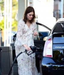Mandy Moore - At a gas station in LA 7/12/17