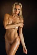 http://thumbs.imagebam.com/39/b7/38/9bb950581854053.jpg