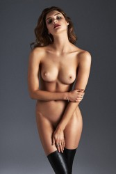 http://thumbs.imagebam.com/65/22/c2/d25bc6569733163.jpg