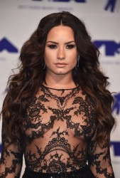 Demi Lovato - 2017 MTV VMAS in LA 8/27/17