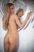 http://thumbs.imagebam.com/87/2c/2a/af359a607796103.jpg