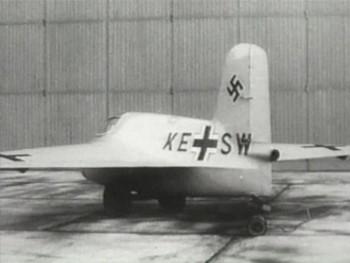 Немецкие реактивные самолеты и ракеты Второй мировой войны / German Jets V1 & V2 Flying Bombs (2006) DVDRip