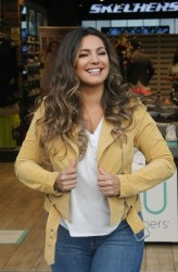 Kelly Brook -      Skechers Photocall Dublin Ireland October 5th 2017.