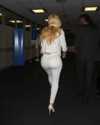 Iggy Azalea - Seen In White Skinny Jeans At JFK Airport (9/7/17)