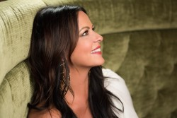 Sara Evans - John Shearer shoot for Taste of Country - 2017-07-19
