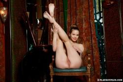 http://thumbs.imagebam.com/da/94/e4/f44a4d574340983.jpg