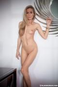 http://thumbs.imagebam.com/de/ff/b0/57619a607796543.jpg
