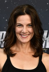 Terry Farrell -                   ''Star Trek: Discovery'' Premiere Los Angeles September 19th 2017 With Leonard Nimoy's Son.